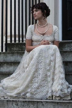 How To Look Your Best On Your Wedding Day. Photo by petramafalda On your big day, all eyes will be on you so you definitely want to look your best. Regency Dress, Regency Era, Regency Wedding Dress, 1800s Fashion, Vintage Fashion, Medieval Fashion, Romance, Style Empire, Vintage Outfits