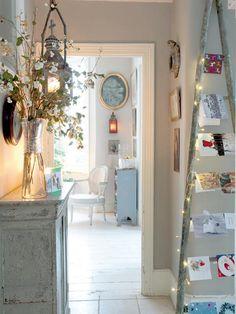 Home Shabby Home:The last Christmas Post Christmas Hallway, Christmas Card Display, Christmas Post, Christmas Holidays, Christmas Decor, Christmas Ideas, Christmas Cards, Magical Christmas, Holiday Cards