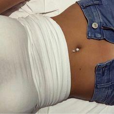 Promi-Vorlieben - Piercing - ch ・ ゚: * chloe ✧ ・ *: * ♡ - . - Promi-Vorlieben – Piercing – ch ・ ゚: * chloe ✧ ・ ゚: * ♡ – # - Innenohr Piercing, Bellybutton Piercings, Smiley Piercing, Body Piercings, Belly Button Piercing Jewelry, Belly Button Rings, Belly Button Piercing Tumblr, Nose Rings, Belly Rings