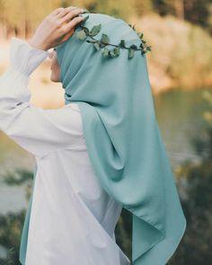 Modest Fashion Hijab, Modern Hijab Fashion, Muslim Women Fashion, Hijabi Girl, Girl Hijab, Stylish Girls Photos, Stylish Girl Pic, Islamic Girl Images, Hijab Hipster