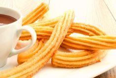 Tieto krehké, voňavé a rozplývajuce sa na jazyku španielske šišky sú najjednoduchším dezertom, ktorý si dokážete...