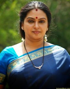 Seetha Aunty Hot Pics in Saree - Actress Album Beautiful Women Over 40, Beautiful Girl Indian, Most Beautiful Indian Actress, Indian Dresses For Women, Indian Girls Images, Indian Actress Hot Pics, South Indian Actress Hot, Beauty Full Girl, Beauty Women