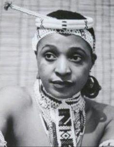 A Revolutionary/Legend/G.T/MamaWesizwe/Mother of the Nation Mama Nomzamo Winnie Madikizela-Mandela ✊🏾✊🏾✊🏾 Amandla ✊🏾 African Life, African History, African Women, African Wear, African Dress, African Beauty, African Fashion, Black Is Beautiful, Beautiful People