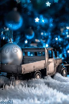 Merry Christmas and Happy New Year GIF. Send beautiful GIF message to loved ones. Tap to see more beautiful animated GIF as Greeting cards & messages for Messengers, Whatsapp and Emails. Magical Christmas, Merry Christmas And Happy New Year, Blue Christmas, Beautiful Christmas, Christmas Time, All Things Christmas, Happy New Year Gif, Happy New Year Greetings, Christmas Greetings