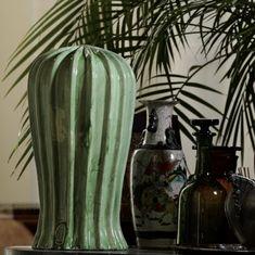 Le forme succulente del Cactus alto OT07026 spiccano tra gli oggetti di casa. Una nota irriverente e ironica che incarna lo stile senza tempo di #ateliercerasarda. #ceramics #design #homedesign #homedecor #lifestyle #cactus #colours #interiordesign #architecture #creative #madeinitaly #ceramicsofitaly #style #designinspiration #grupporomani #cerasarda #ceramica
