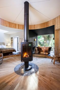 The Invicta Pharos Rotating Stove has been installed in this incredible Woodsman Tree house. It features in George Clarkes Amazing Spaces on C4 and you can view more information and book to stay here: http://www.mallinson.co.uk/treehouse.html If you wish to build your own amazing space we can supply stunning stoves and design heating systems for you own adventure. Contact us today. www.Stovesonline.co.uk