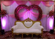 Indian Wedding Stage, Wedding Stage Backdrop, Wedding Backdrop Design, Wedding Stage Design, Engagement Stage Decoration, Wedding Hall Decorations, Desi Wedding Decor, Marriage Decoration, Creation Deco