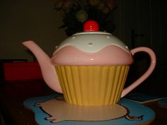 cupcake tea pot