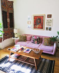 Cozy, textile filled home tour of SUNDAY/MONDAY founders. Photo by Lala Lopez.