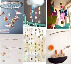 Même si ce blog propose essentiellement des activités pour les enfants, les bébés ne doivent pas être en reste ! Vous cherchez un joli mobile à accrocher au dessus du berceau de votre bébé? Voici 20 tutoriels pour en fabriquer un, à partir de nombreux matériaux possibles : feutrine, carton, ruban, papiers... !   1. un mobile nuage chez Lait Fraise avec des gouttes multicolores   2. des oiseaux posés sur des cercles chez ECAB   3. des avions en papier  4. à télécharger et…