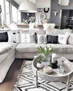 Strandhausdekor Likes, 104 Comments - ᑕᒪᗩᑌᗪIᗩ ( on Insta. Living Room Grey, Living Room Decor, Beach House Decor, Diy Home Decor, Interior Design Living Room, Living Room Designs, Home And Deco, Home Decor Inspiration, Home Furniture