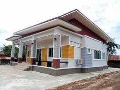 แบบบ้านโมเดิร์นหลังคาทรงแหงน ขนาด 4 ห้องนอน 3 ห้องน้ำ งบ 1.5 ล้านบาท   DoIDEA ดูไอเดียบ้าน Modern Bungalow House Design, Modern Small House Design, Bungalow House Plans, House Design Photos, Village House Design, House Front Design, Balcony Railing Design, Model House Plan, Home Building Design