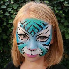 Blauwe tijger #schmink #voorbeeld gemaakt door http://www.ViaGala.nl. #facepaint #blue #tiger