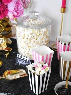 Movie Night Party Ideas in Pink, Gold and Black Movie Night Party Ideas in Pink, Gold and Black – easy, glam and girly ideas for hosting a cinema birthday party premiere, or watching the Oscars! Sweet Popcorn, Popcorn Bar, Pink Popcorn, Party Kit, Spa Party, Party Ideas, Beach Party, Birthday Table, Birthday Parties