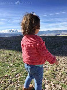 Cómo hacer una Chaqueta de Crochet Burbujitas para niña - Patrón y Tutorial - Crochet For Kids, Crochet Baby, Crochet Top, Patron Crochet, Diy And Crafts, Turtle Neck, Pullover, Boho, Knitting