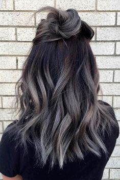 15 Amazing Dark Ombre Hair Color Ideas to Make You Look Trendy - Astounding 15 . - 15 Amazing Dark Ombre Hair Color Ideas to Make You Look Trendy – Astounding 15 Amazing Dark Ombr - Brunette Hair With Highlights, Hair Color Highlights, Hair Color Balayage, Gray Balayage, Blonde Hair, Silver Highlights, Ombre Hair Brunette, Ombre Hair Color For Brunettes, Balayage Brunette
