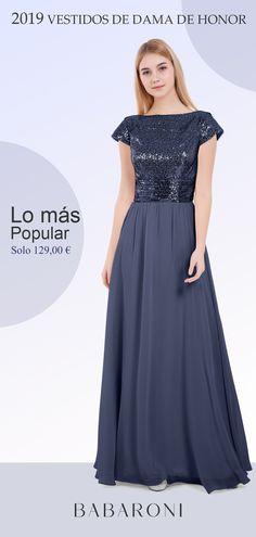 a41800846 El largo vestido de gasa y lentejuela es una opción halagüeña por la  espalda con cremallera