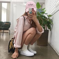 Find images and videos about girl, fashion and style on We Heart It - the app to get lost in what you love. Dope Fashion, 90s Fashion, Fashion Outfits, Korean Street Fashion, Asian Fashion, Summer Outfits, Cute Outfits, Pink Hat, Asian Style
