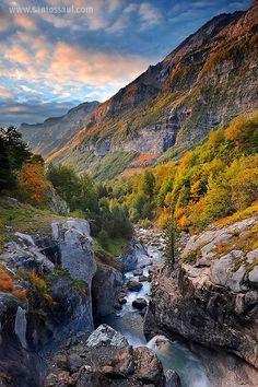 Pirineos, Parque Nacional de Ordesa, Valle de Pineta, Spain by Santos Diaz