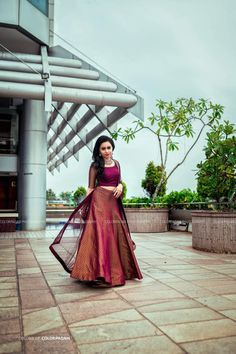 Indian Bridesmaid Dresses, Indian Gowns Dresses, Indian Bridal Outfits, Indian Bridal Fashion, Indian Fashion Dresses, Indian Designer Outfits, Half Saree Designs, Fancy Blouse Designs, Bridal Blouse Designs