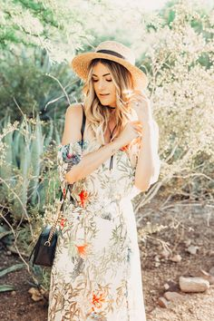 a906ca84c9 Caitlin Lindquist of the Arizona fashion blog Dash of Darling wears an  affordable summer outfit from