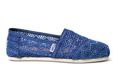 Cobalt  Crochet Women's Classics  Not normally a big fan of Toms, but these are pretty cute!