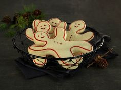 Sosial hygge med julebakst Hygge, Sugar, Cookies, Desserts, Food, Baking, Crack Crackers, Tailgate Desserts, Biscuits