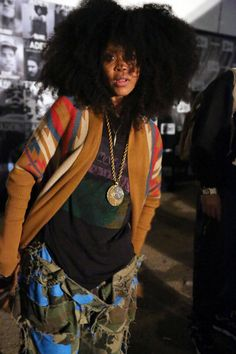We've been envious of Erykah Badu's extra-long natural hair since the '90s. She has gone from dreadlocks to a short crop, and now she is rocking a fluffed afro.