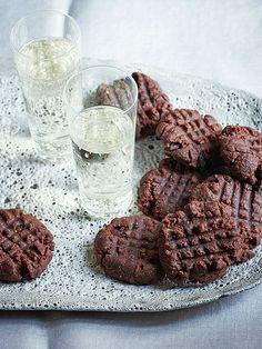 Flourless Chocolate Peanut Butter Cookies http://greatideas.people.com/2014/11/01/chocolate-peanut-butter-cookie-recipe/