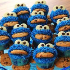 oh my, these are hillarious!  love x  cookie monster cupcakes!