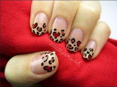 leopardo rojo y beige