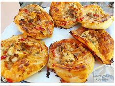 Pizza slimáky (fotorecept) Mozzarella, Ham, Meal Recipes, Basket, Meals, Hams