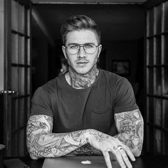 Dope look by Brook Dede ( - If you enjoy our page please help us grow by sharing it with your friends! Boys With Tattoos, Hot Guys Tattoos, Boy Tattoos, Tattoed Guys, Sexy Tattooed Men, Bearded Tattooed Men, Beautiful Boys, Gorgeous Men, Bad Boys