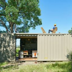 OFF THE GRID SHIPPING CONTAINER CABIN