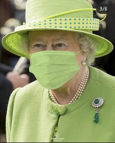 """""""HMS Queen Elizabeth coming out with a matching face mask to fight what a fashionista. Queen And Prince Phillip, Prince Philip, Princess Margaret, Princess Mary, Her Majesty The Queen, Queen Of England, Save The Queen, Queen Of Hearts, Royal Fashion"""