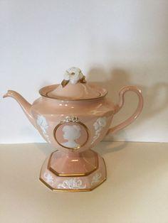 collelable tea pots