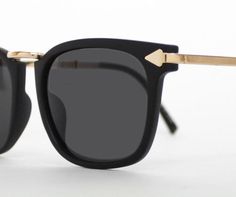 Let these cute Arrow detailed sunglasses point your outfit in the right direction! $22 www.mooreaseal.com