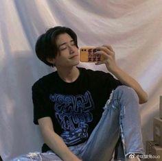 Cute Korean Boys, Asian Boys, Cute Boys, Alternative Makeup, Lost Boys, Chinese Boy, Ulzzang Boy, Face Claims, Handsome Boys