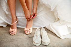 Bruiloft schoenen bruid | de Kievit Bruiloften Bruidsfotografie