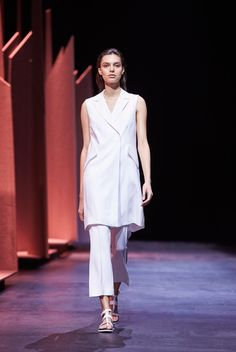 The New Sharp trend | Witchery SS15 Runway Show