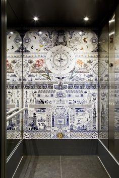 Marcel Wanders-Delft-style elevator.