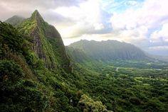 Nu'uanu Pali Lookout - Kaneohe, Hawaii