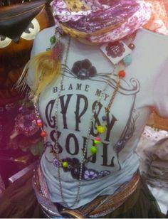 SMALL Gypsy Soul T-Shirt. Bohemian Clothing. Grey door BohoCircus