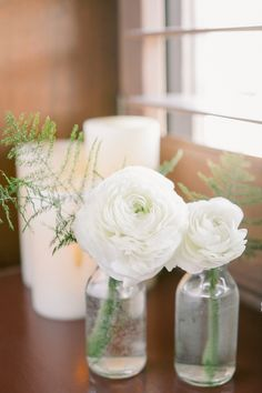 Single Bud Vases with White Ranunculus by Hoopla | Photo by Artiese Studio
