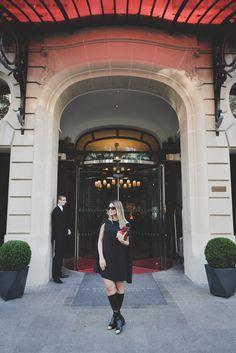 Meninas, como vocês sabem já vim várias vezes a Paris mas nunca havia me hospedado no Royal Monceau da rede de hotéis Raffles pois é novidade na cidade! Simplesmente não poderia ter sido uma escolha melhor viu!? Como sempre, Chris Biagioni, minha agente de viagens nos indicou um hotel que é totalmente a nossa cara … Continue reading Le Royal Monceau Paris!