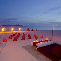 Beautiful amazing time this would be. Waking up to the sounds of the ocean.  Fire by the ocean.   Never want to leave. Romantic evening with a loved one    Will happen.  Just waiting for the right time