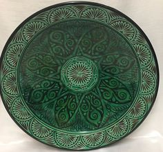Catawiki online auction house: Persian / Moroccan pottery glazed majolica handpainted large platter - Green colour
