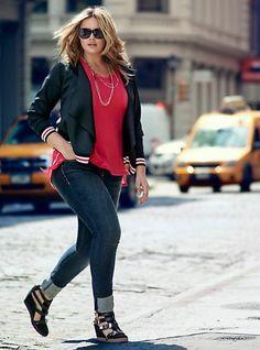 mollige damen mode jeans jacke rote bluse