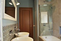 #ITALIAN #BATHROOMS #5: #bathroom #renovation by italian Raffaella Sasso + Gigliola Arisi | hexagonal tiles and a wonderful shade of azure on the wall! ** Splendida ristrutturazione di un bagno a Roma