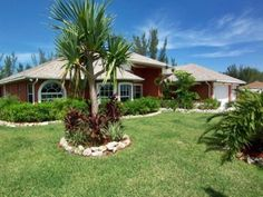 Villa Palm Breeze in Cape Coral, Florida huren? Cape Coral Florida, Vacation Trips, Breeze, Palm, Villa, United States, Mansions, House Styles, Homes